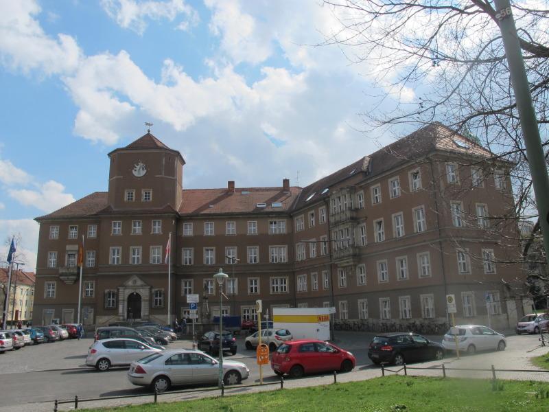Einwohnermeldeamt Zehlendorf