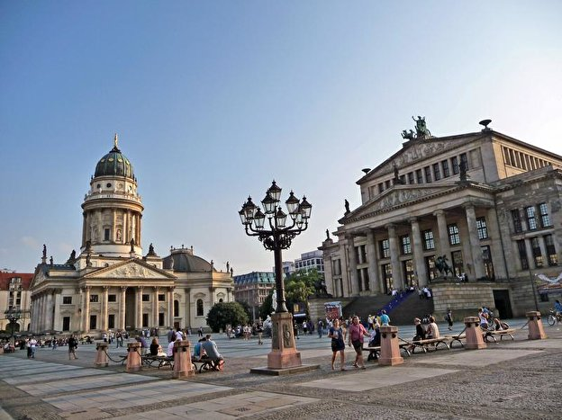 gendarmenmarkt. Black Bedroom Furniture Sets. Home Design Ideas
