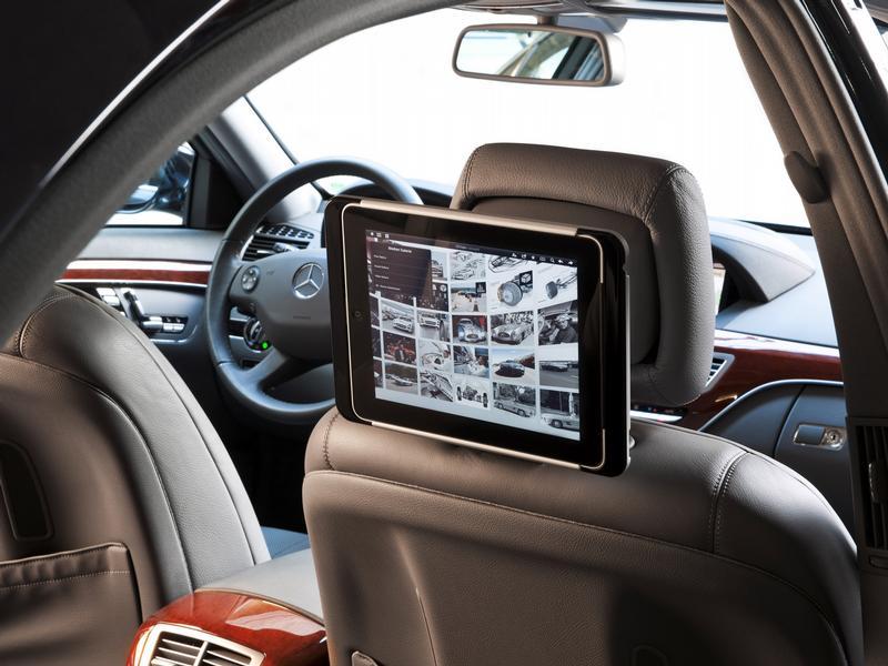 internet bringt infotainment ins auto. Black Bedroom Furniture Sets. Home Design Ideas