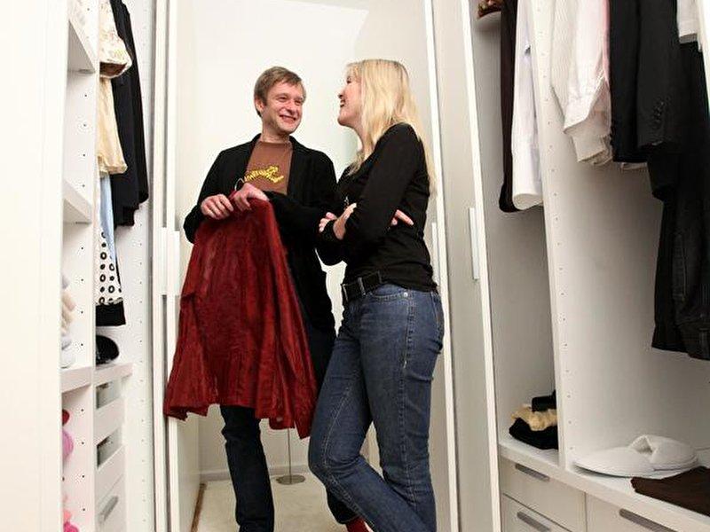 begehbarer kleiderschrank tipps zum selber bauen. Black Bedroom Furniture Sets. Home Design Ideas