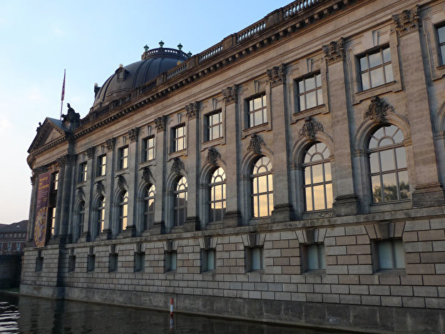 Bode-Museum Westseite