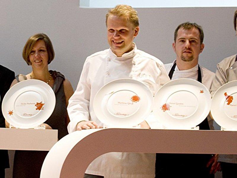 restaurants f r gourmets wo berlins meisterk che zu tisch bitten. Black Bedroom Furniture Sets. Home Design Ideas
