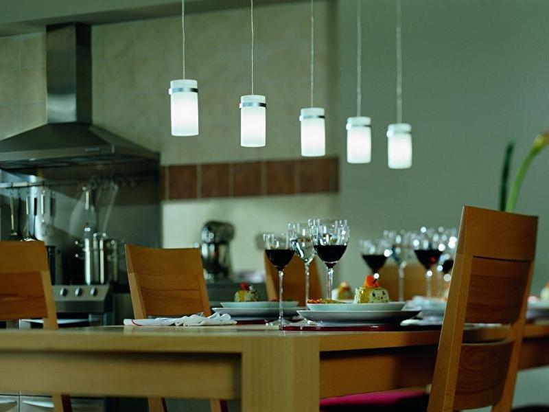 licht und lampen in der wohnung richtig einsetzen. Black Bedroom Furniture Sets. Home Design Ideas