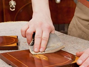 Holzmöbel fachgerecht restaurieren und neu streichen – Berlin.de