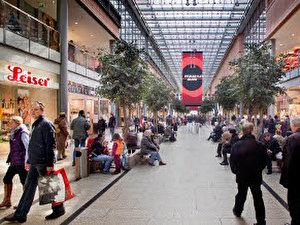 modekette forever 21 offnet zweiten berliner store am potsdamer platz