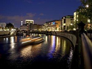 Blue Man Group Berlin Hotels In Der Nahe