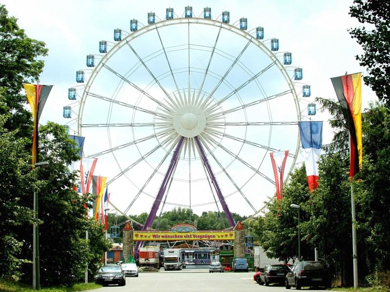 Berliner Volksfestsommer (German-French Fair)