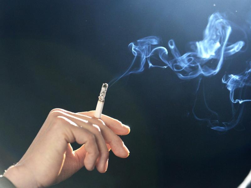 raucherwohnung wie entfernt man zigarettengeruch und bel ge. Black Bedroom Furniture Sets. Home Design Ideas
