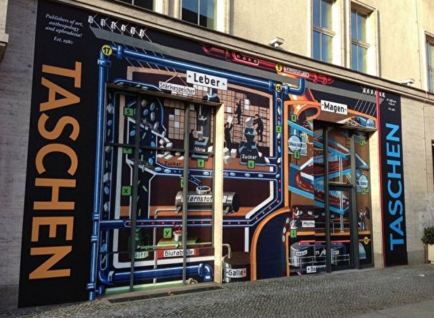 kunstbuchverlag taschen er ffnet pop up store in berlin. Black Bedroom Furniture Sets. Home Design Ideas