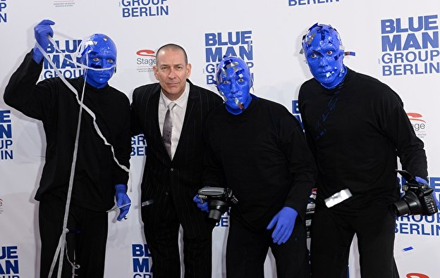 premiere die neue blue man group. Black Bedroom Furniture Sets. Home Design Ideas