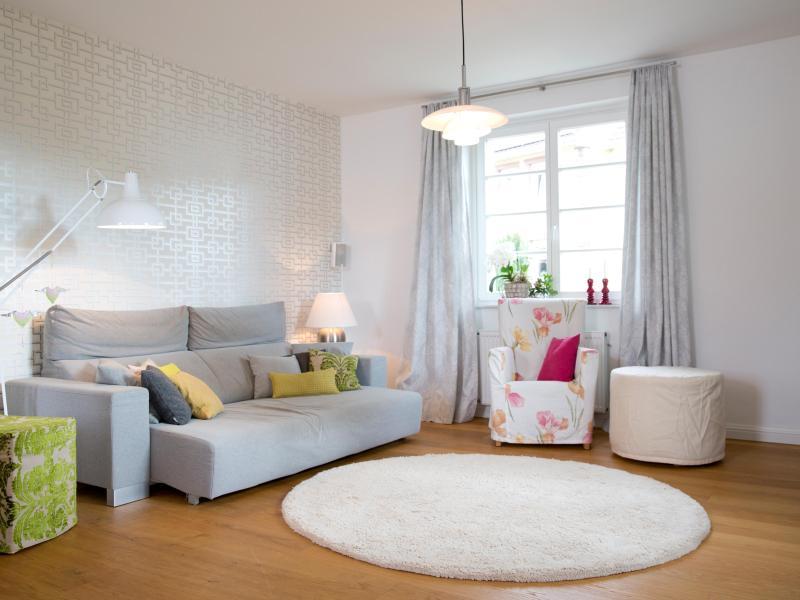 feng shui f r anf nger wohnung filmen und umr umen. Black Bedroom Furniture Sets. Home Design Ideas