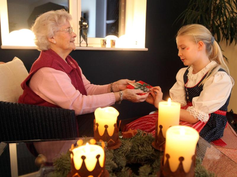 Weihnachten: Geschenke für Enkel mit den Eltern absprechen – Berlin.de