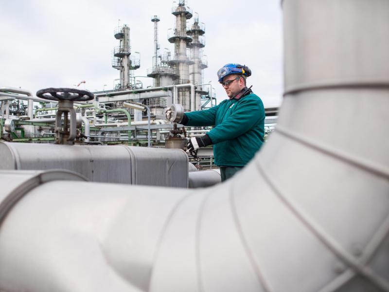 Rosneft greift nach Mehrheit bei PCK-Raffinerie – Berlin.de