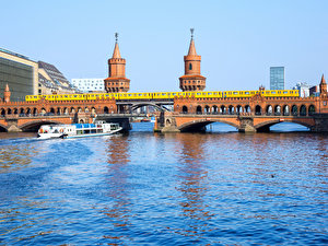 Schiffstour Highlights am Ufer der Spree