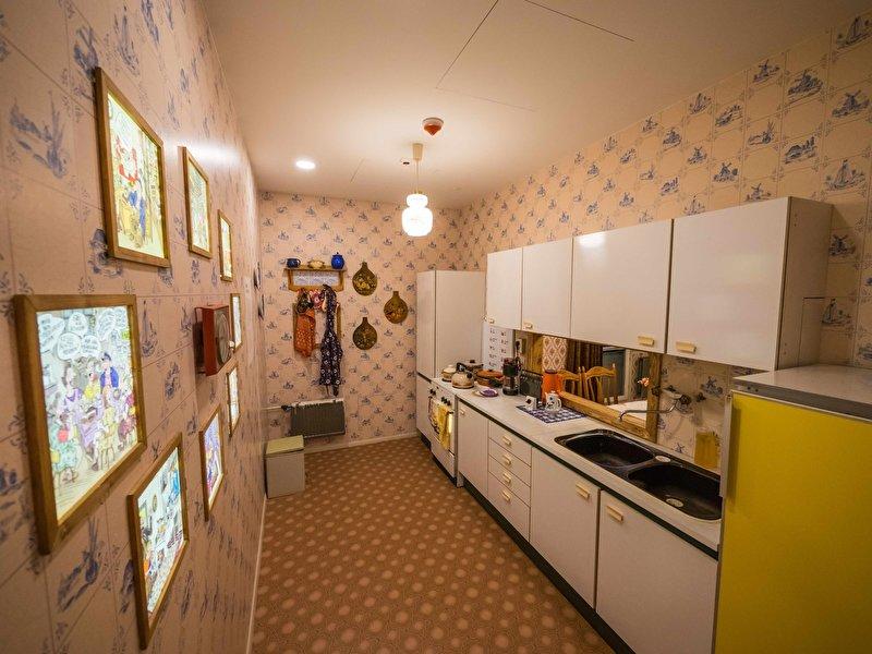 ddr museum. Black Bedroom Furniture Sets. Home Design Ideas