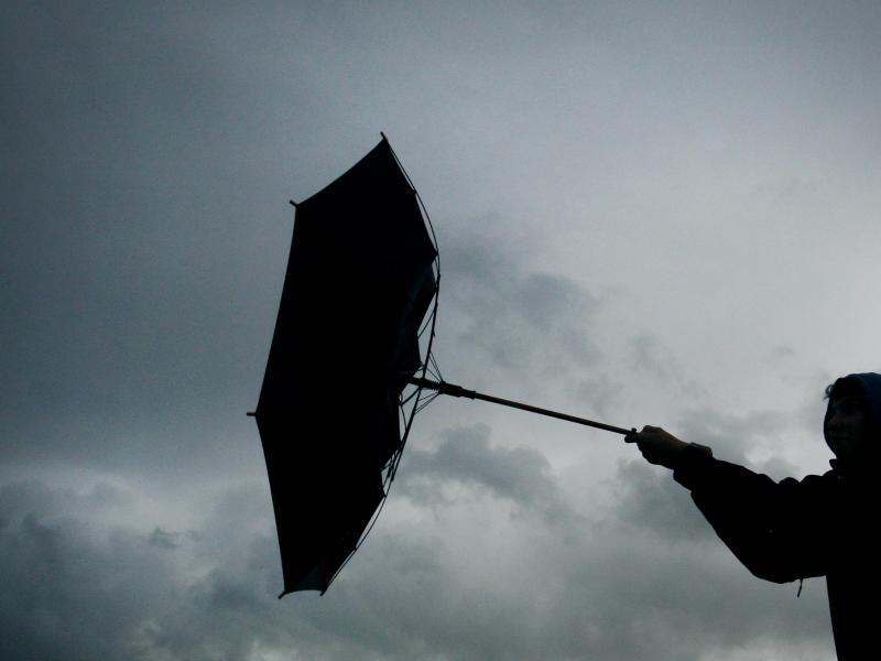 Stürmischer Wochenbeginn: Einschränkungen im Bahnverkehr möglich