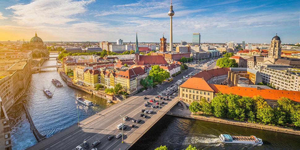 Hop On Hop Off Schiffstour 24 Stunden Ganz Berlin Mit Einem Ticket Berlin De