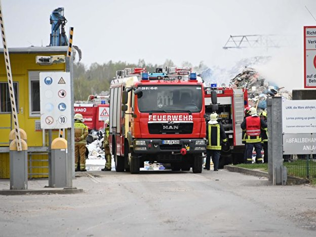 Brand in Recyclinghof in Cottbus
