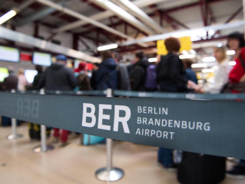 Herbstferien: 2,2 Millionen Passagiere an Berliner Flughäfen erwartet
