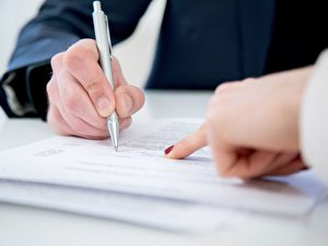 Abreitsvertrag unterschreiben