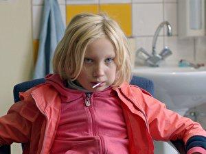 Helena Zengel als Benni in einer Szene des Films «Systemsprenger»