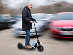 Prototyp eines autonom fahrenden E-Scooters