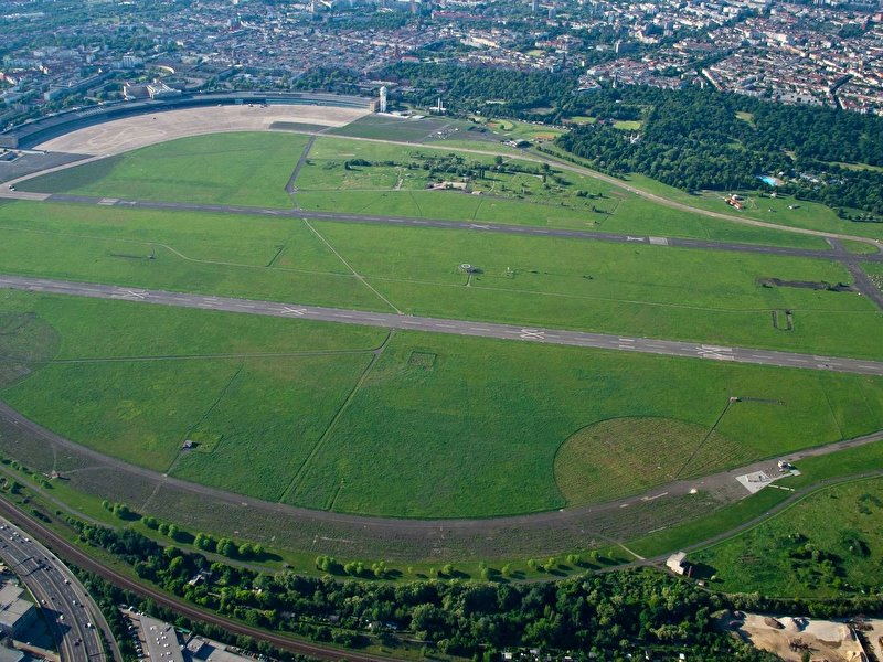 90 new trees for Tempelhofer Feld
