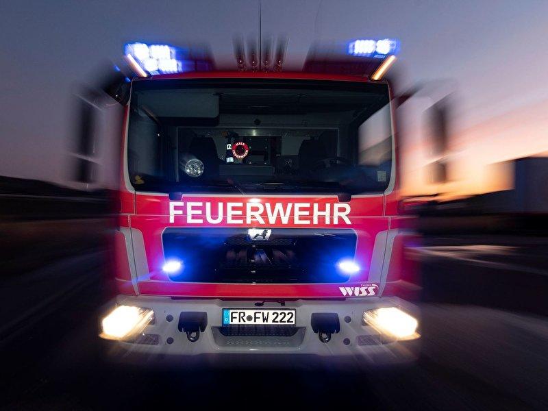 Brände in Mehrfamilienhäusern: Ein Verletzter