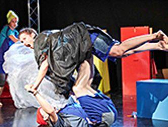 Bildvergrößerung: KOLONASTIX Theater: Max und Moritz