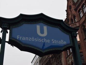 Schild des U-Bahnhofes Französische Straße