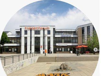 Klemperer-Platz und Freizeitforum Marzahn