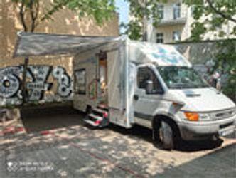 Bücherbus in der Bruno-Lösche-Bibliothek
